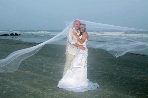 bride and groom on myrtle beach